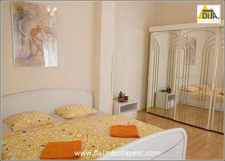 pictures of apartment vaci 11 in budapest on the vaci street